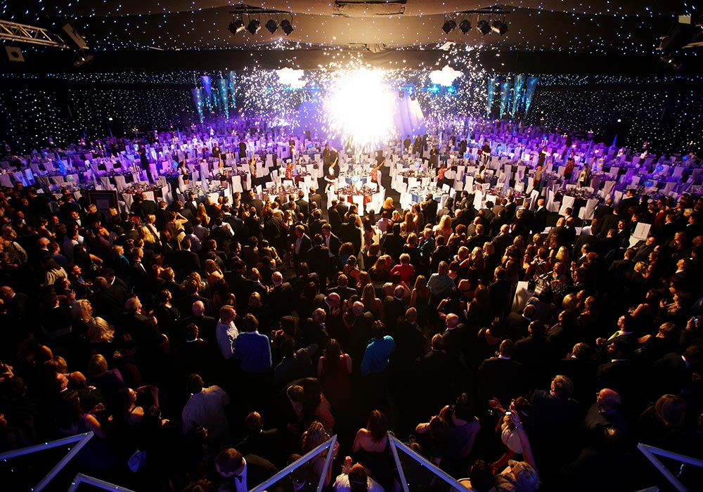 Event with a large amount of people and tables